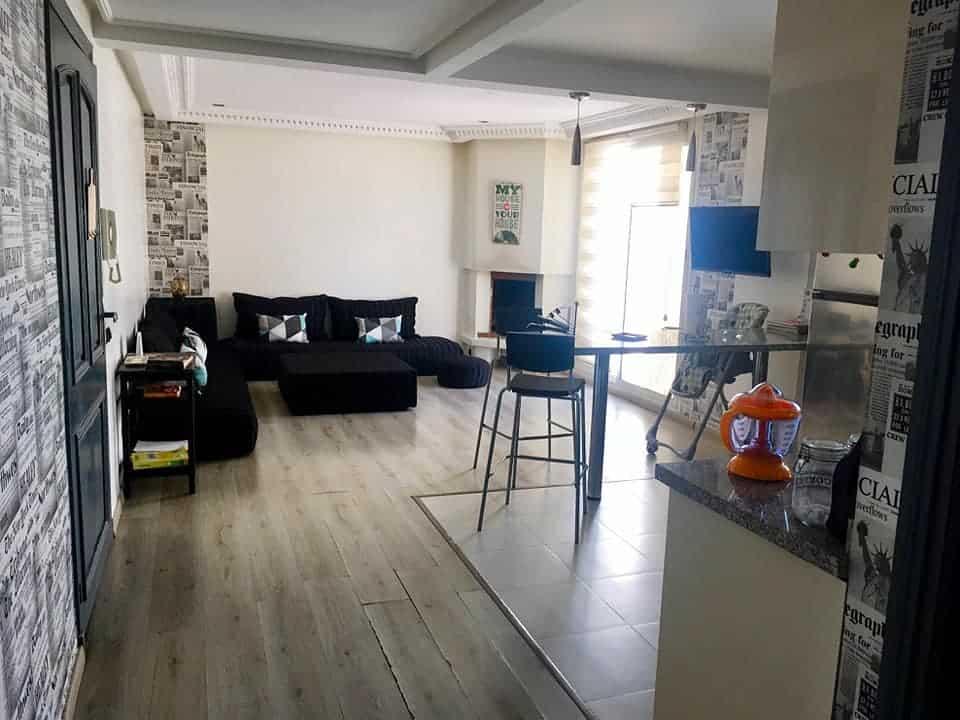 Location-studio-meublé-avec-terrasse-Les-Princesses