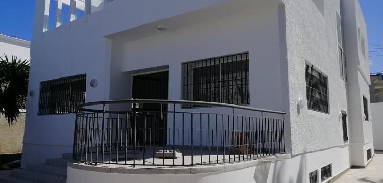 Location-Villa-Usage-Bureau-Oasis